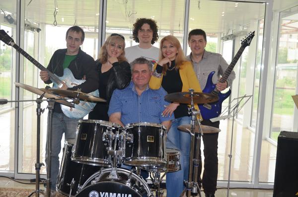 уникальная вокально-музыкальная группа под названием «Феникс»