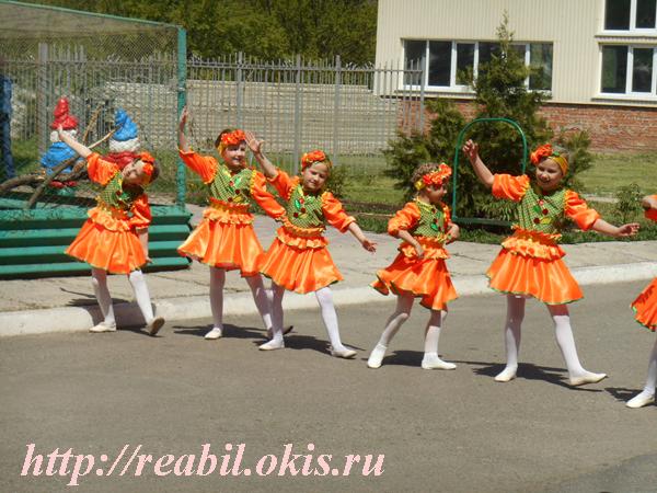 концерт был подготовлен силами Луганского центра детского и юношеского творчества «Гармония» и слушателями Центра
