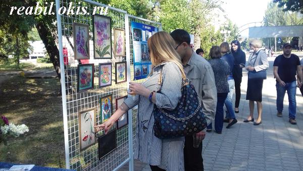 заинтересованность гостей экспонатами нашей выставки