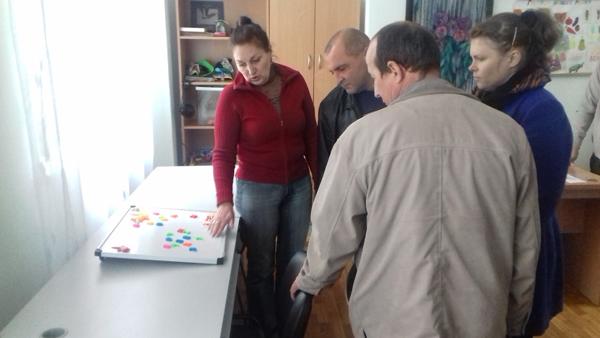 Члены группы по социальной адаптации открыли для себя в этот день много нового, в частности ознакомились со специальными приспособлениями