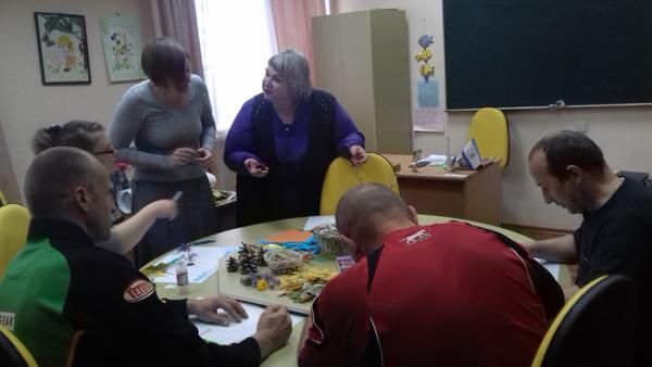 «Луганский учебно-реабилитационный центр», осваивают различные виды декоративно-прикладного искусства