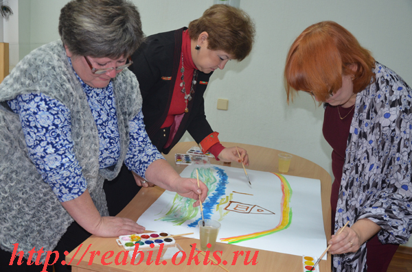 Трапезникова Марина Александровна включила присутствующих в увлекательное упражнение «Коллективный рисунок»