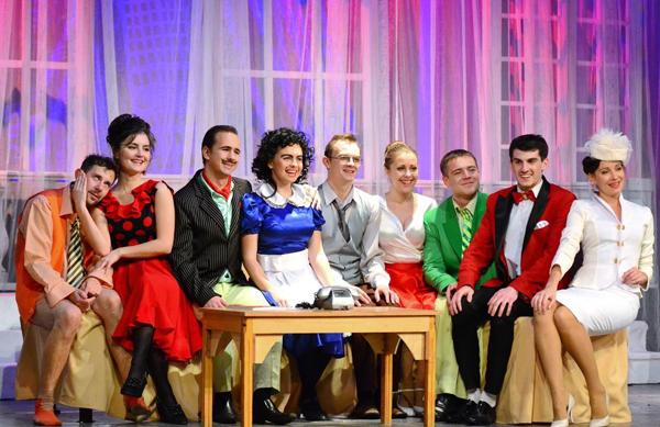 комедия-фарс «Люкс № 13» в Луганском академическом украинском музыкально-драматическом театре