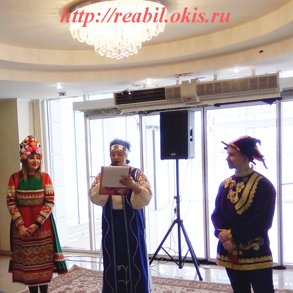 побаловали зрителей артисты Луганского Республиканского Дворца культуры и студенты
