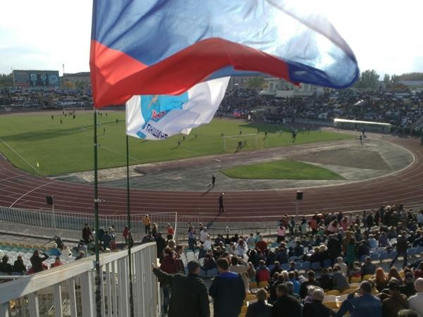 соскучились в Луганске по футболу