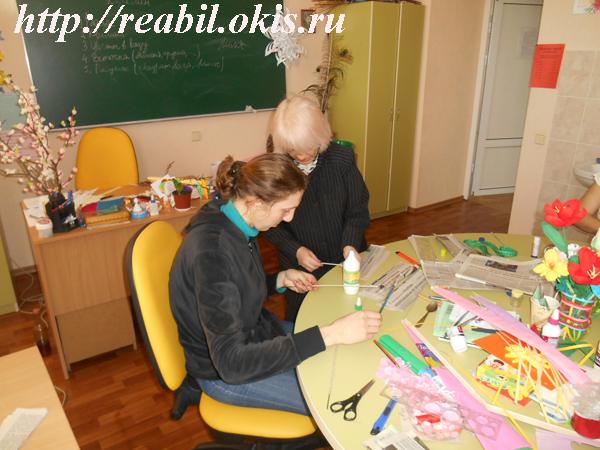 Своими знаниями и умениями с присутствующими делилась настоящая народная мастерица – Дроздова Наталья Николаевна